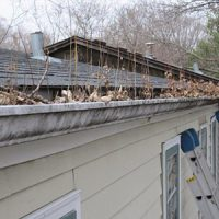 gutter-cleaning-before-300-1